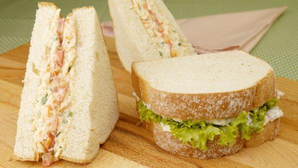 Como fazer Sanduíche Natural de Frango e Atum