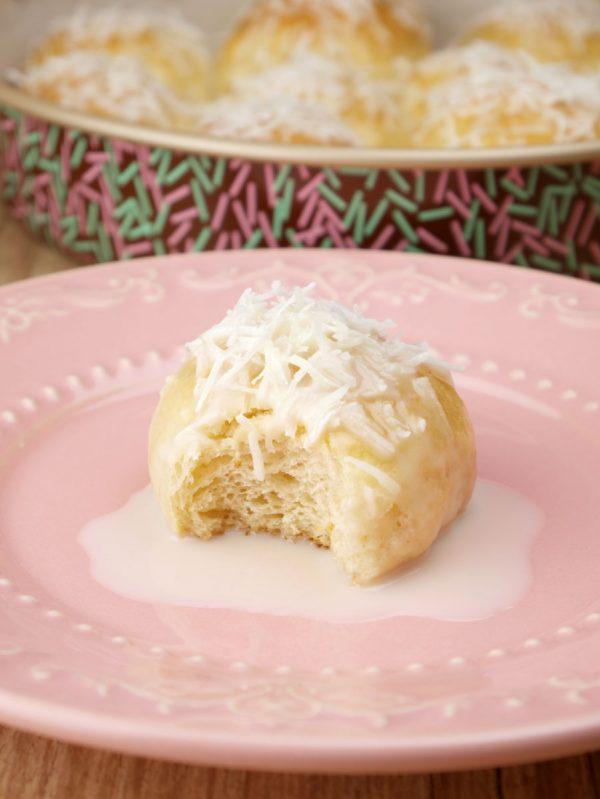 Pãozinho de Leite Condensado com Coco