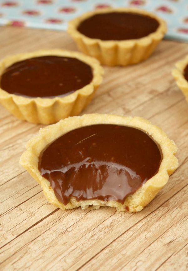 Como fazer Tortinha de Chocolate com 5 ingredientes