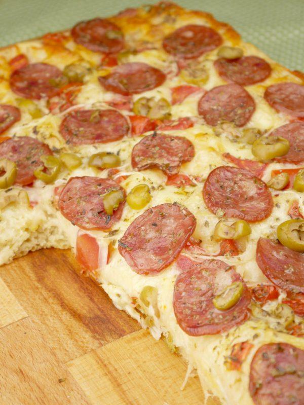 Como fazer Pizza com Massa de Pão sem Sova