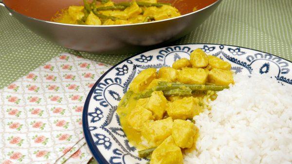 Como fazer Frango com Leite de Coco e Curry muito rápido e fácil